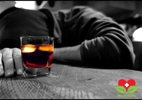 Rượu luôn là tác nhân tàn phá nhan sắc của con người khủng khiếp nhất