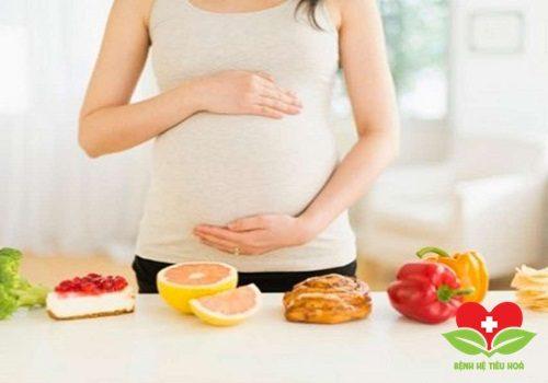 Chuyên gia hướng dẫn thực hiện chế độ dinh dưỡng trong 3 tháng đầu thai kỳ
