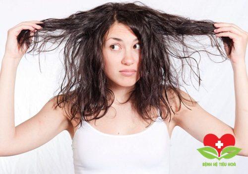 Da và tóc của bạn tự nhiên trở nên khô hơn