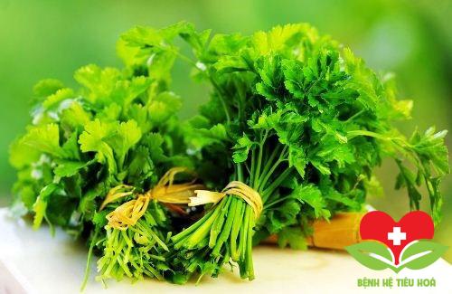 Mùi tây tươi chứa lượng lớn vitamin K
