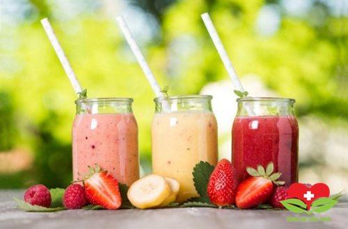 Nên chọn nước ép hoa quả hay sinh tố?