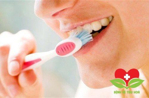 Vệ sinh răng miệng sạch sẽ giúp phòng ngừa ung thư miệng