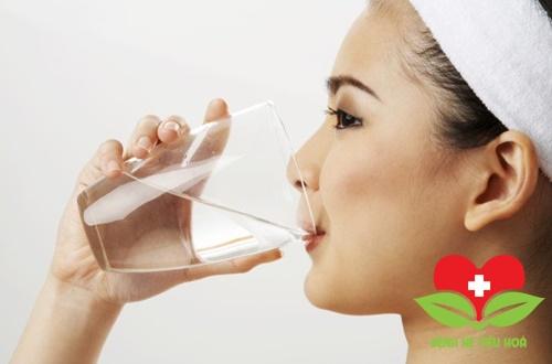 Ung thư vòm họng nên uống nhiều nước